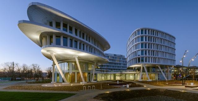 Kompleks biurowy Business Garden Warszawa - fot. Swedecenter.pl